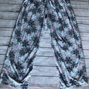 Nautica fleece snowflake pajama bottom size L
